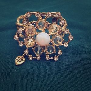 Betsey Johnson Flower bracelet 🌺